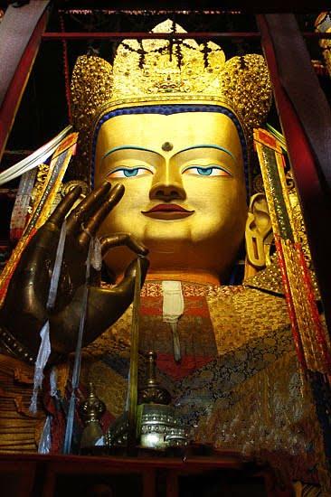 Gaint Jampa Buddha