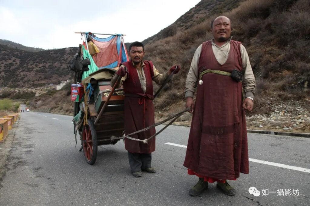 Bon-pilgrim-on-way-to-Mount-BonriBon-pilgrim-on-way-to-Mount-Bonri